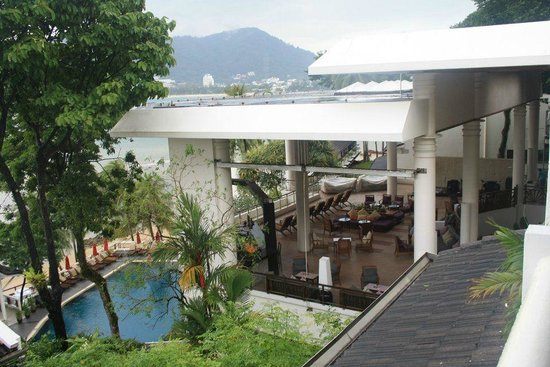 Amari Coral Beach Phuket: Pool side view