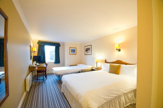 Motherwell, UK: Bedroom at the Innkeeper's Lodge Glasgow, Strathclyde Park