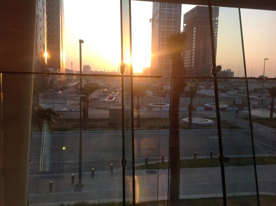 Aloft Abu Dhabi: Sunrise from Dine restaurant