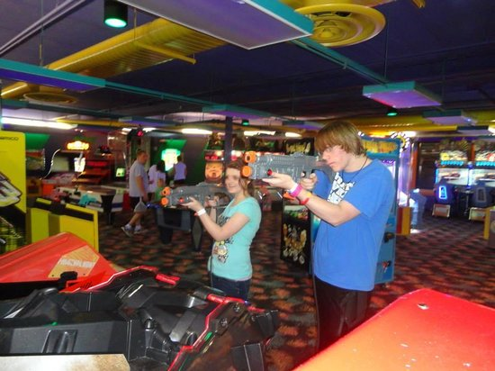 Castaway Bay Resort: Arcade for kids but a bit steep