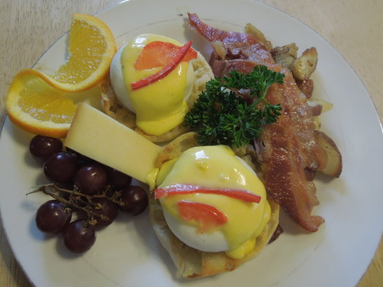 Battlefield Bed and Breakfast Inn: Delicious Hot full Breakfasts
