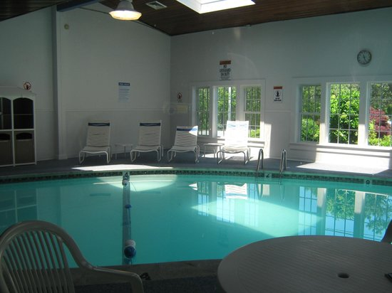 Ocean Mist Beach Hotel & Suites: indoor pool