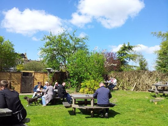 Malmesbury, UK: The beer garden
