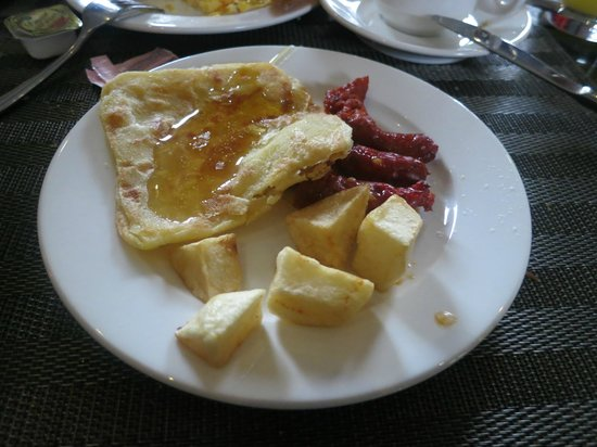 Adam Park Marrakech Hotel  & Spa: sample of typical Moroccan breakfast
