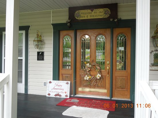 Inn at Harbour Ridge Bed and Breakfast: Front Door