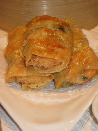 Burnaby, Canada: Fried Shrimp Beancurd Roll (C$5.75)