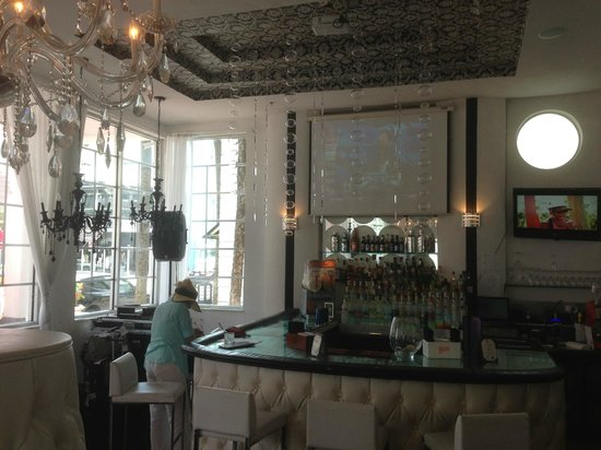Whitelaw Hotel: bar and dj booth
