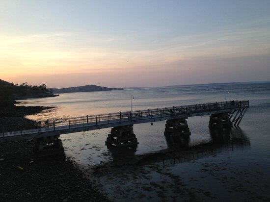 Holiday Inn Bar Harbor Regency: View from edge of hotel property!