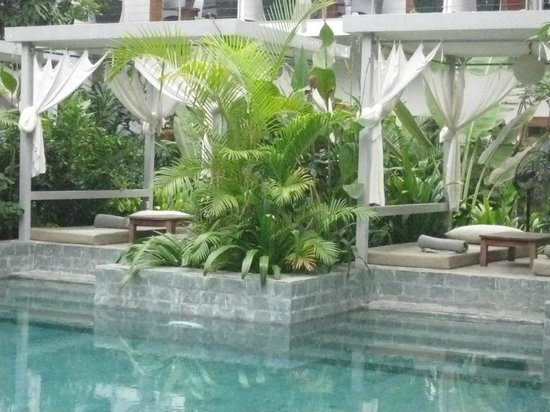 The Plantation: Pool