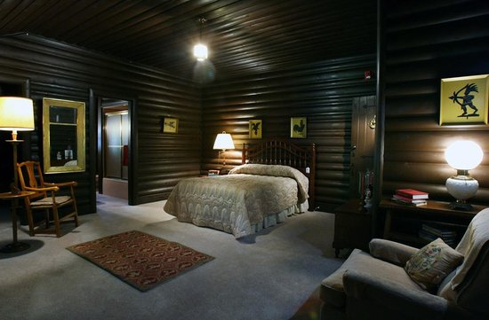 North Canton, OH: Lodge Room at Fieldcrest