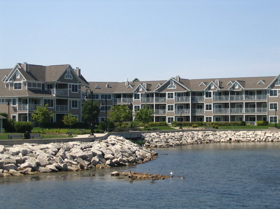 Sturgeon Bay, WI : Bridgeport Resort in Door County