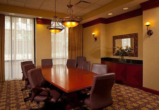 Residence Inn Memphis Downtown: Boardroom