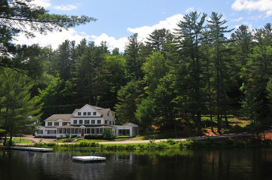Madison, Нью-Гэмпшир: Purity Spring Resort - The Inn, summertime