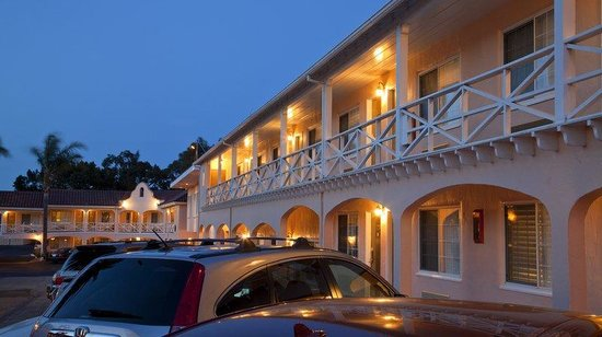 BEST WESTERN PLUS El Rancho Inn & Suites: Exterior