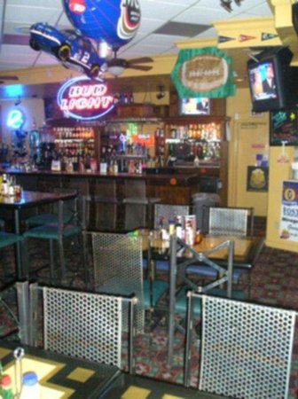 BEST WESTERN Coronado Motor Hotel: Hangar Sports Bar