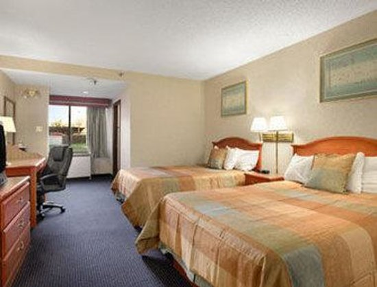 Elk Grove Village hotels