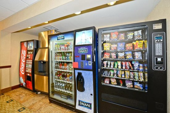 BEST WESTERN Monroe Inn & Suites: Vending Machines