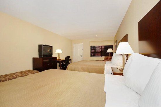 Cedar Park, TX: Two Queen Guest Room