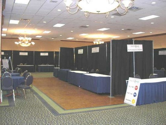 Guelph, Canada: Tradeshow Set-up