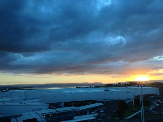 Mangere, Nuova Zelanda: View from our room - Beautiful sunset