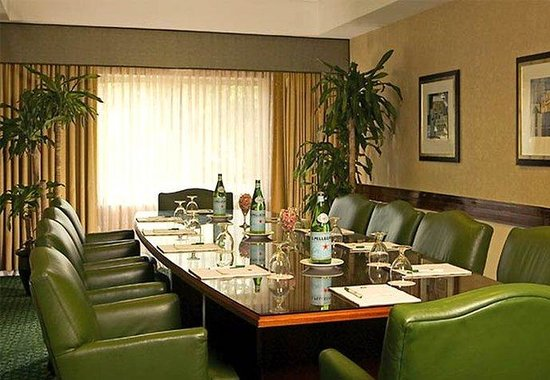 Courtyard by Marriott Burlington Taft Corners: Boardroom