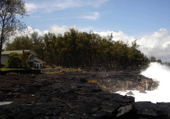 Keaau, HI: Dramatic crashing surf in Hale Mar's back yard