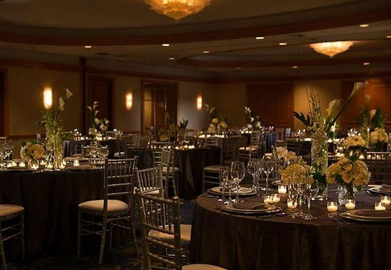 ‪‪Renaissance Chicago Hotel‬: Ballroom- Social Set Up‬