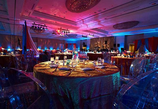 Renaissance Long Beach Hotel: Wedding Reception