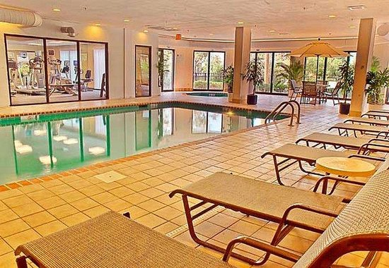Courtyard Myrtle Beach Barefoot Landing: Indoor Pool
