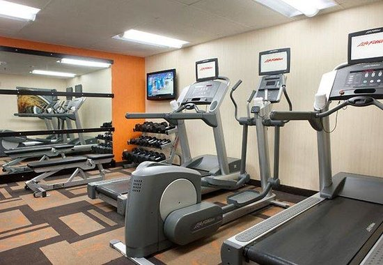 Courtyard by Marriott Pleasanton: Fitness Center