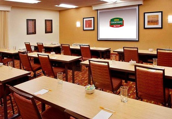 Norwalk, CT: Meeting Room