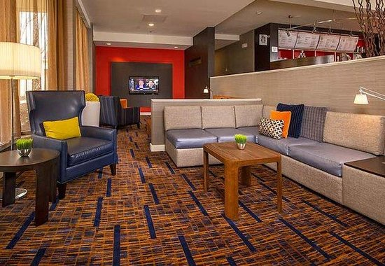 Courtyard by Marriott Baltimore Hunt Valley: Lobby Theater