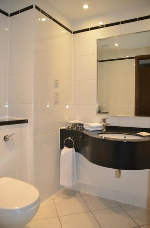 Hilton London Metropole : Bathroom