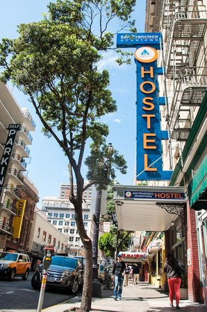 Hostelling International- San Francisco/ Downtown: view of the hostel from outside