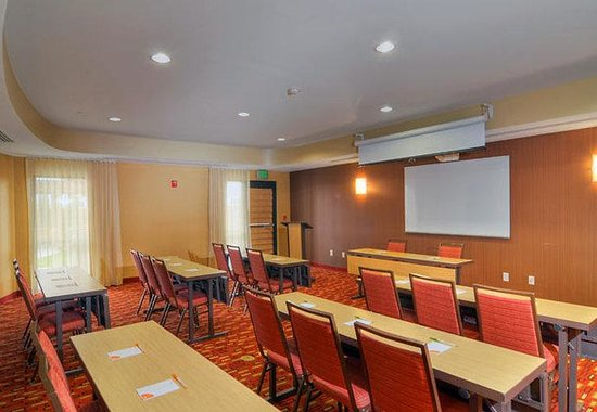 Medford, OR: Meeting Room – Classroom Set-Up