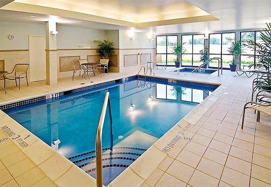 Mechanicsburg, PA: Indoor Pool