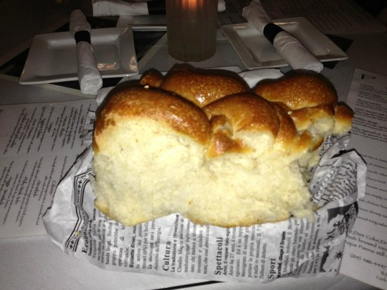 Lewisville, TX: Bread brought out as soon as we were seated