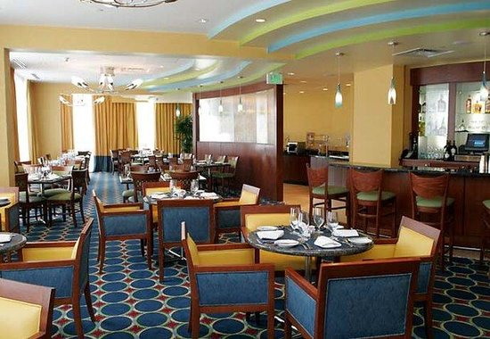 Courtyard by Marriott Fort Lauderdale Beach: Blue Water Restaurant