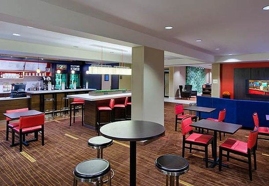 Courtyard by Marriott Sarasota Bradenton Airport: Bistro Dining Area
