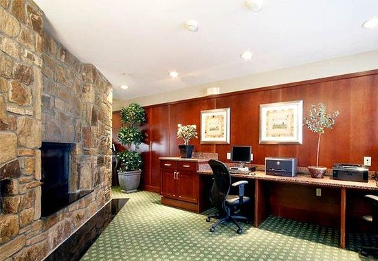 Courtyard by Marriott Potomac Mills: Business Center