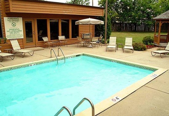 Valparaiso, IN: Outdoor Pool