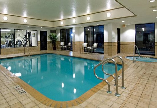 Courtyard by Marriott San Antonio Airport / North Star Mall: Pool Area