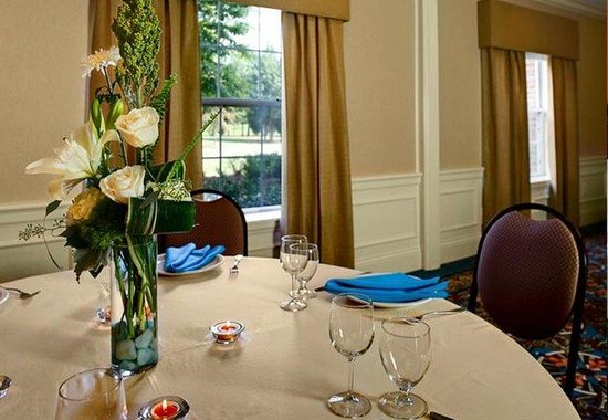 Courtyard by Marriott Chapel Hill: Social Events & Weddings