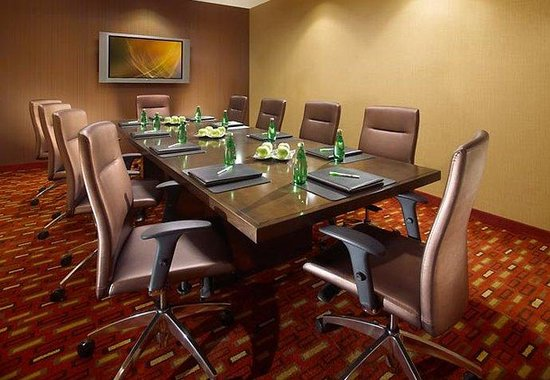Courtyard by Marriott Anaheim at Disneyland Resort: Boardroom