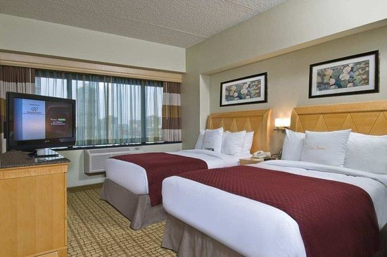 DoubleTree by Hilton Hotel & Suites Jersey City: Double Queen Jr Suite