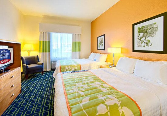 Fairfield Inn & Suites San Angelo: Queen/Queen Suite Sleeping Area