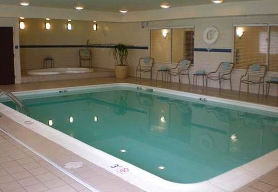 Chester, VA: Indoor Pool & Spa