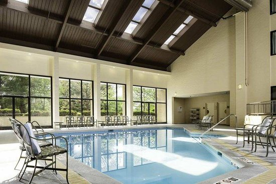 DoubleTree by Hilton Columbia: Indoor Pool