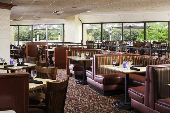 DoubleTree by Hilton Columbia: Morgan's Restaurant