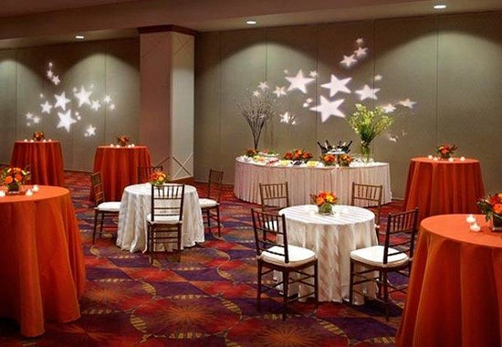 Boston Marriott Newton: Commonwealth Ballroom– Reception